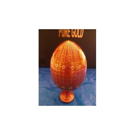 Oeuf  en bois peint et orné de fils d'Or